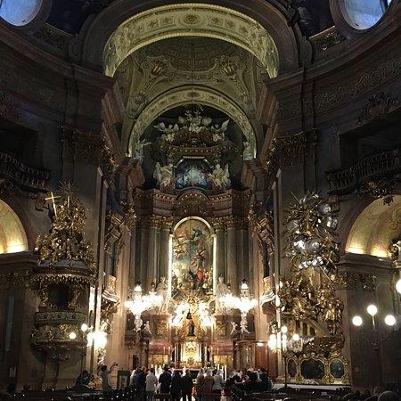 Lo Splendido Altare Barocco Di Peterskirche Picture Of