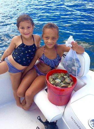 St. George Island, Floride : SaltyChartersFlorida.com scalloping