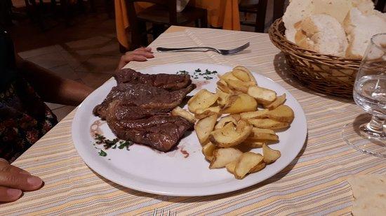Cala Liberotto, Italie : Picagna con patate rustiche