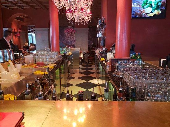 Pacifico: Bar