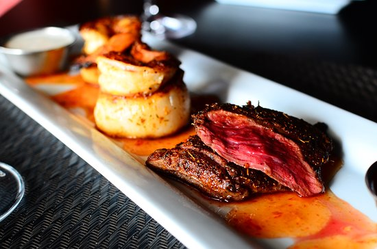 XO Bistro: Surf & turf appetizer