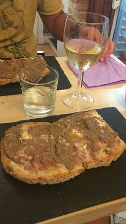 La bruschetteria pane e pomodoro: Pranzo ottimo!
