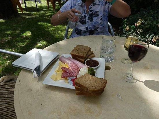 Riversands Winery: Ploughman's Lunch
