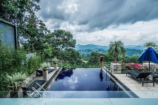 Hantana, Sri Lanka: pool - photo by ahely renee