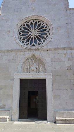 Duomo dei SS. Giovanni e Paolo: Rosetón