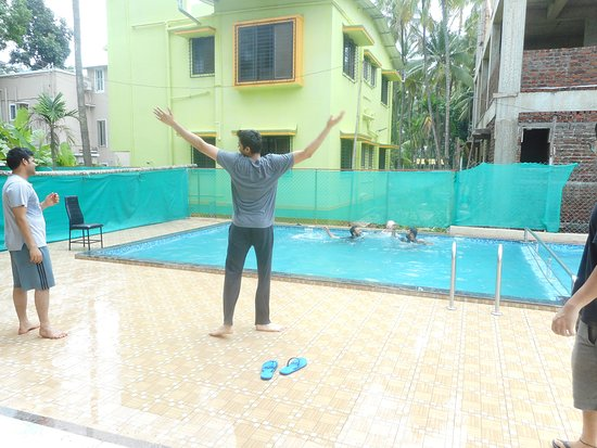 Anant Villa: The small and lovely swimming pool