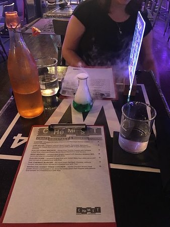 The Chemist -Craft Cocktails and Modern Cuisine张图片