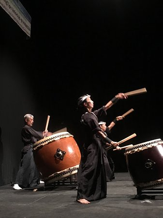 Taiko Drum Workshop by Hibikiza