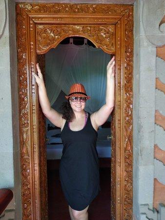 Geria Giri Shanti Bungalows: Amazing traditional Balinese door ways