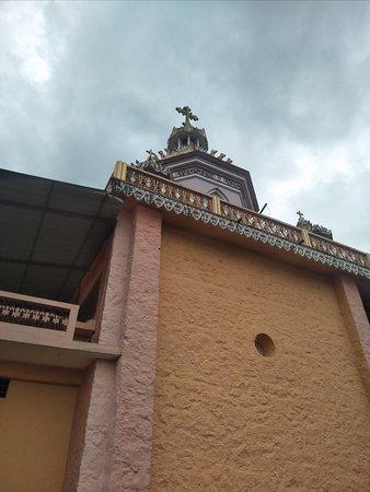 Mor Ignatius Manjinikkara Dayara: Manjinikkara Church