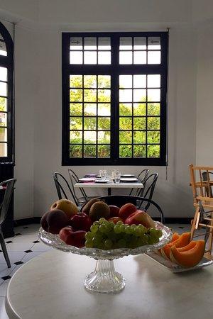 Taussat, Frankrike: petit déjeuner