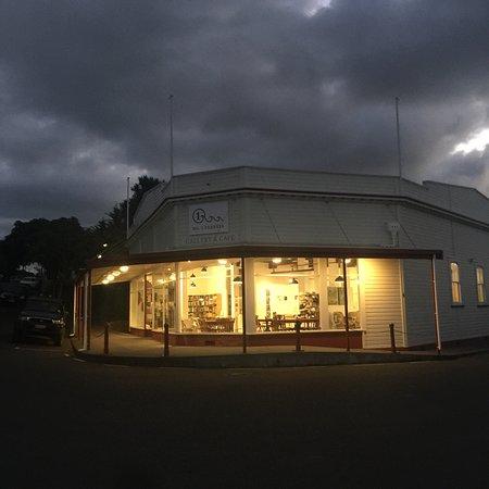Rawene, New Zealand: A New Era Cafe