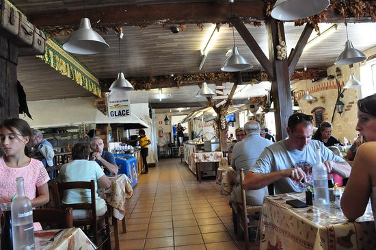 Touverac, Francia: Inside view.