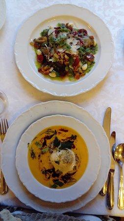 Balthasar: Pumpkin soup and salad