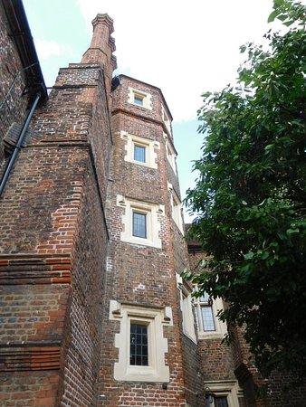Eastbury Manor House: Eastbury Manor