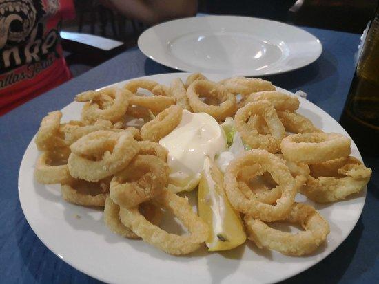 Artola, Spain: Ración calamares (5€)
