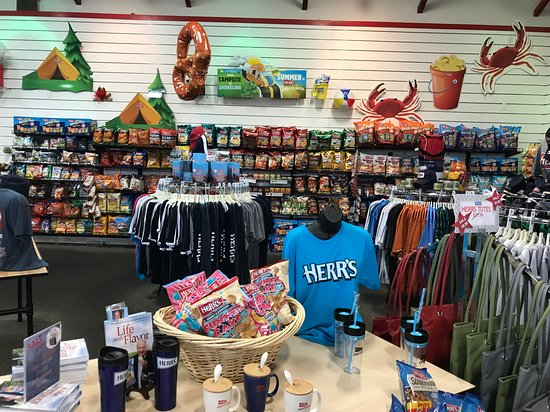 588d2bfe3798c Herr s Visitor Center Gift Shop - Picture of Herr s Snack Factory ...