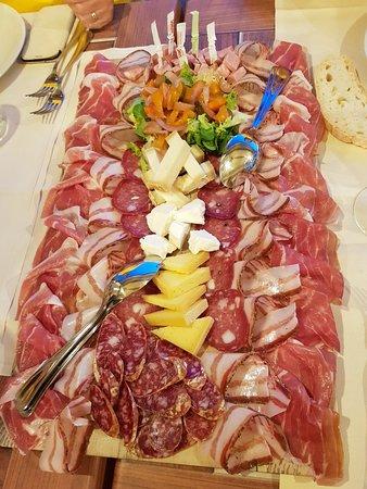 Модиглиана, Италия: 20180824_202318_large.jpg