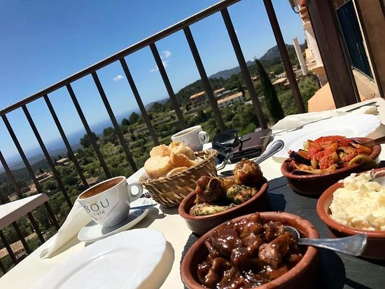 Galilea, Spain: food with views