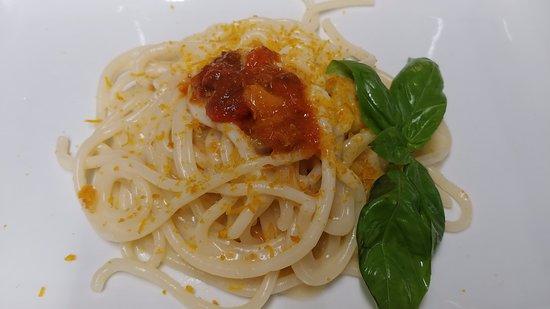 Montalto Marina, Italien: spaghetti riccio di mare e bottarga