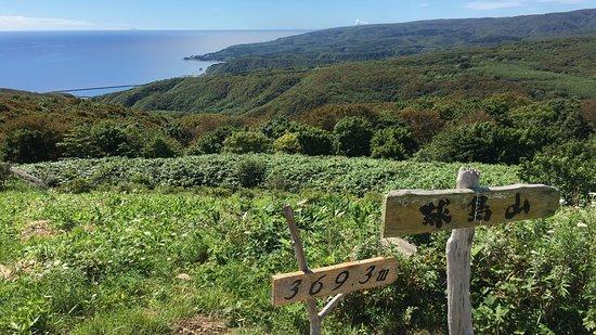 奥尻町, 北海道, 遠くになべつる岩も見える