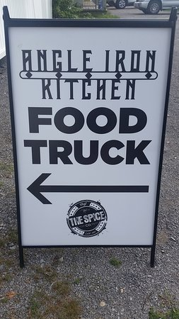 Youngs Point, Canada: Angle Iron Food Truck Sign