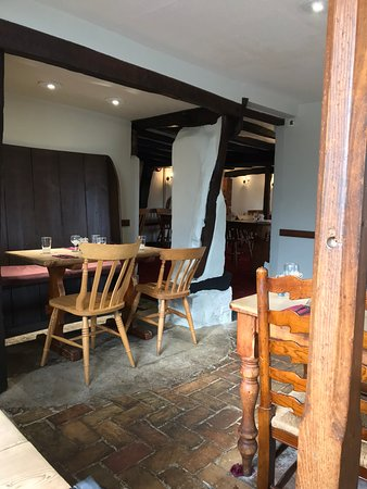 Snape, UK: The restaurant; looks quiet but it was early. Soon filled up
