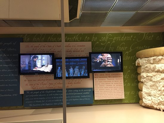 National Civil War Museum: Videos of actors portraying folks involved with the war