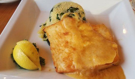 Dolphin Bar & Shrimp House: Mango Halibut with Couscous.