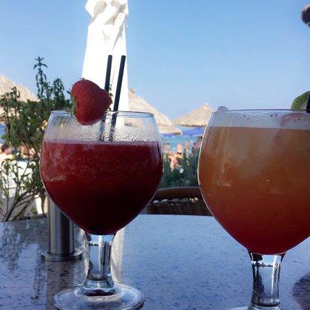 Chaplins Beach Bar: photo1.jpg