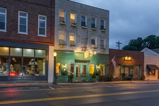 The Charlotte Hotel & Restaurant Photo
