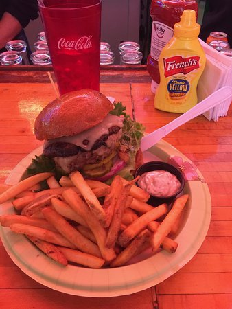 Terry's Turf Club burger