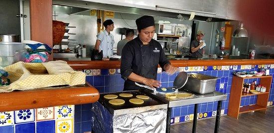 La Parrilla: hand made tortillas