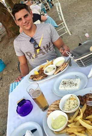 Taverna Maleme Beach Bar: photo1.jpg