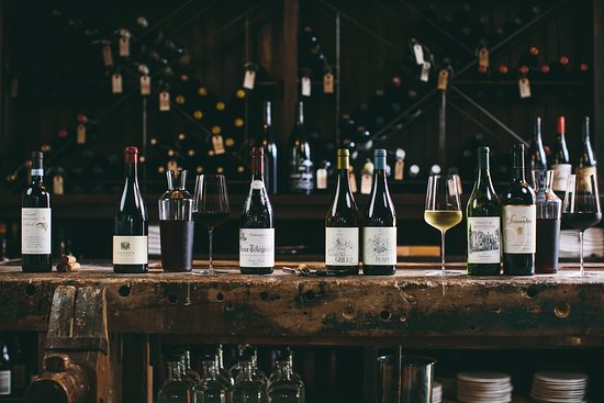 Dedalus Wine Shop, Market And Wine Bar: Large Selection Of Hard To Find  Wines