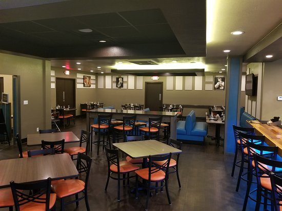 Clarion Inn & Suites Russellville I-40: On-Site Cagle's Mill Restaurant
