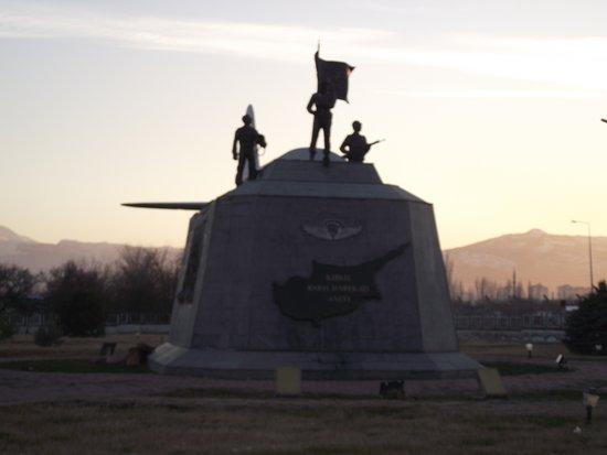 Izmir Province, Tyrkia: anıtt