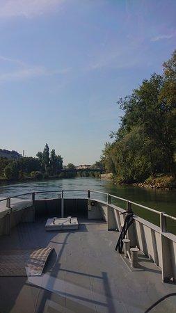Twin City Liner: Entlang der DOnau