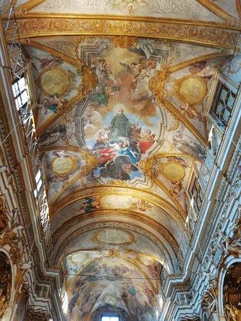 Serra San Quirico, Italien: Il trionfo del Barocco
