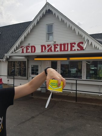 Ted Drewes Frozen Custard: 20180831_135433_large.jpg