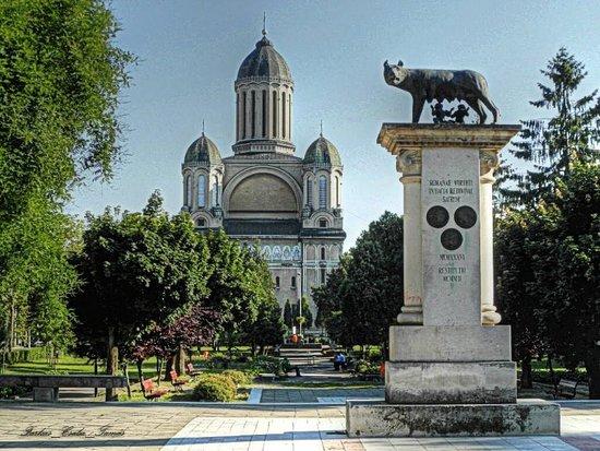 Lupa Capitolina Statue