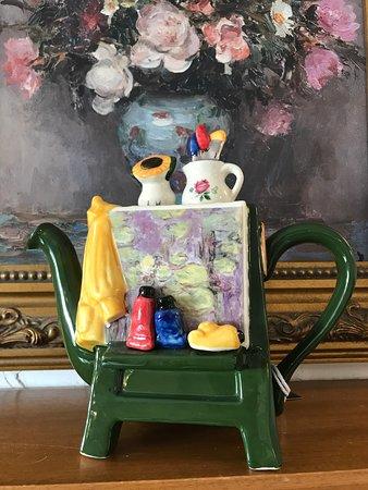 Aberchirder, UK: Bespoke Teapots
