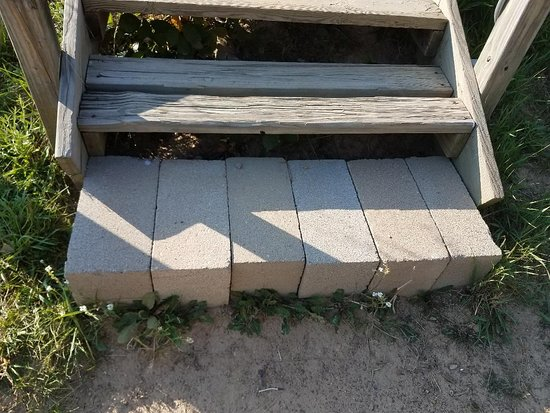 Larkspur, CO: death trap stairs