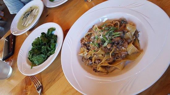 M Tucci S Italian Restaurant Albuquerque Nm June