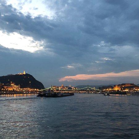 Budapest Tag und Nacht Sightseeing...
