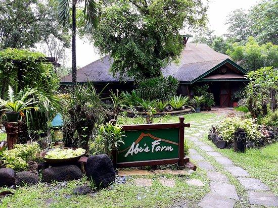 Central Luzon Region, Philippinen: Facade of the restaurant