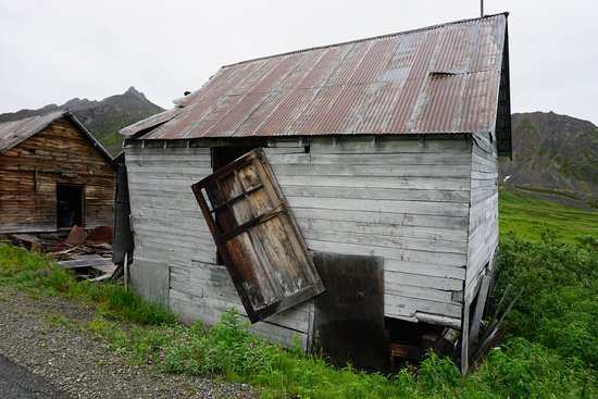 Independence Mine State Historical Park: old gold mining town
