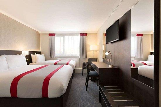Easton-in-Gordano, UK: Guest room