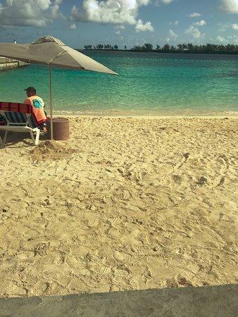 Junkanoo Beach: Overall Clean area.