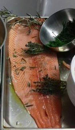 La Bassee, Γαλλία: saumon frais ( rarement en semaine)